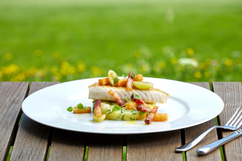 Frisch mit Liebe zubereitetes Gericht im Alpine Golf Resort.