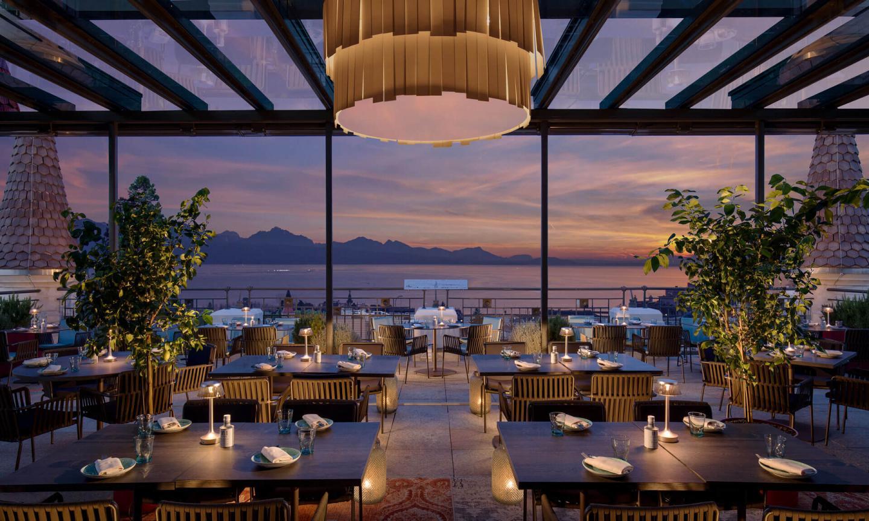 Royal Savoy Lausanne SkyLounge couché soleil